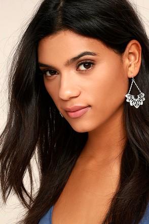 Flourish Silver Earrings 1