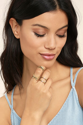 Winning Hearts Antiqued Gold Ring Set 1