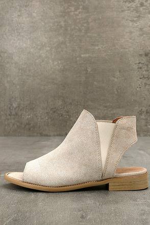 Musse & Cloud Ciara White Leather Peep-Toe Booties 1