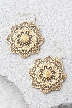 Morning Blossom Gold Earrings 1