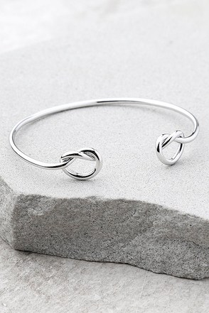 Do the Twist Silver Bracelet 1