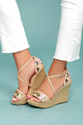 Roselyn Natural Embroidered Espadrille Wedges 2