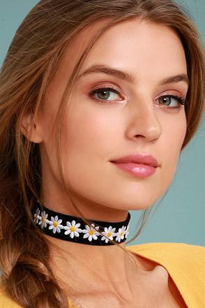 Vanessa Mooney Dazed Black Velvet Choker Necklace 3
