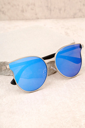 Modern Twist Silver and Blue Mirrored Sunglasses 2