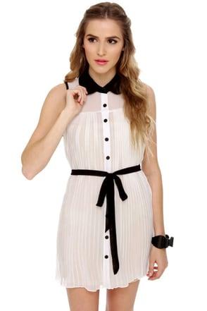 Easy to Pleats Sheer White Dress