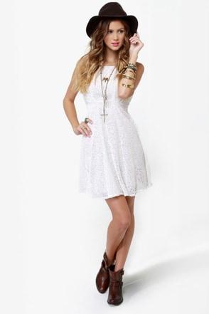 Fine Vine-ing Velvet Ivory Dress