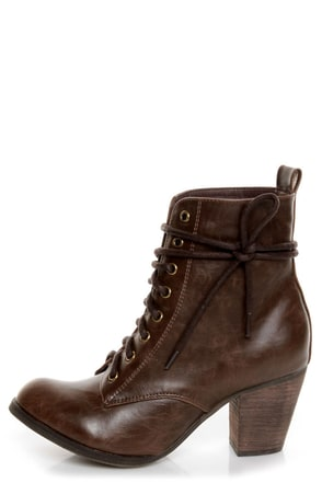 Chelsea Crew Detour Brown Lace-Up Ankle Booties