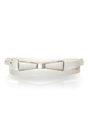Decoration of Independence Skinny White Bow Belt