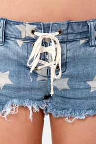 Billabong Lite Hearted Star Print Denim Shorts at Lulus.com!