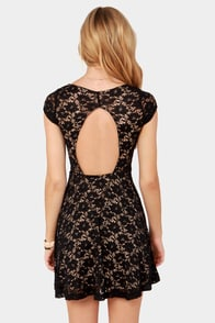 Lace Canon Backless Black Lace Dress at Lulus.com!