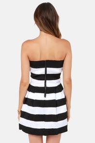 On the Flip Side Strapless Black and White Bandage Dress at Lulus.com!