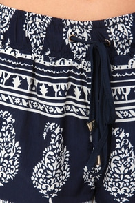 Hot Damask Navy Blue and Ivory Print Shorts at Lulus.com!