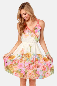 Antique Rose Show Cream Floral Print Dress at Lulus.com!