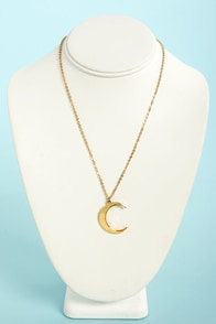 Just the Crescent-tials Gold Moon Necklace at Lulus.com!