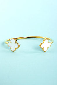 Clover the Moon White Clutch Bracelet at Lulus.com!