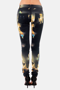 Tripp NYC Space Shuttle Print Skinny Pants at Lulus.com!