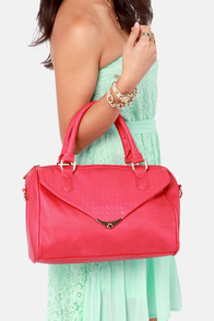 Peaceful Weave-y Feeling Coral Purse at Lulus.com!