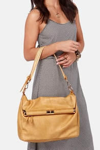 Dressed to Im-Purse Oversized Tan Purse at Lulus.com!