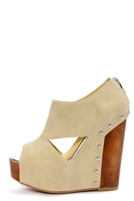 Chinese Laundry Jam Session Stone Cutout Platform Wedges at Lulus.com!