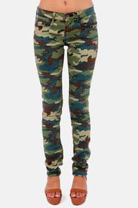 Element Eden Tatum Camo Print Skinny Jeans at Lulus.com!
