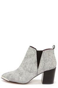 Report Signature Toby White Crackle Pointed Toe Booties at Lulus.com!