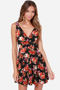 Midnight Stroll Black Floral Print Dress at Lulus.com!