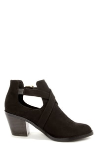 Soda Tidy Black Belted Cutout Ankle Boots at Lulus.com!