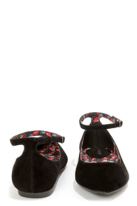 Bamboo Object 09 Black Velvet Pointed Flats at Lulus.com!
