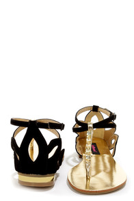 Dollhouse Defy Black Cutout Rhinestone Thong Sandals at Lulus.com!