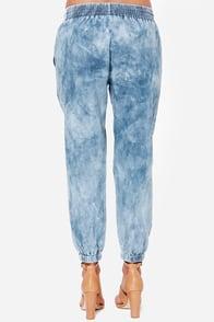 Volcom Rolling High Denim Harem Pants at Lulus.com!