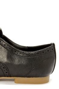 Madden Girl Tremor Black Brogue Lace-Up Oxfords at Lulus.com!
