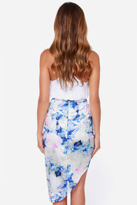 Totally Dreamy Asymmetrical Blue Floral Print Skirt at Lulus.com!