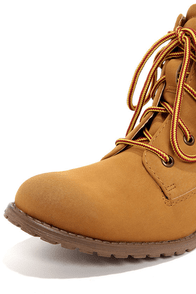 Madden Girl Raage Tan Suede Lace-Up Work Boots at Lulus.com!