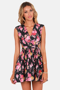 Brat Pack Black Cutout Floral Print Dress at Lulus.com!