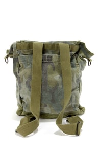 Billabong Day Camp Camo Print Backpack at Lulus.com!