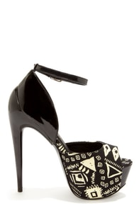 Privileged Hot Nights Black Print Peep Toe Platform Heels at Lulus.com!