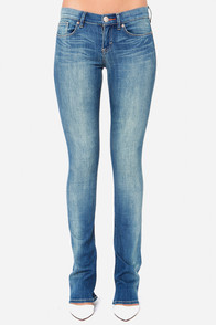Dittos Breana Mid Rise Skinny Flare Jeans at Lulus.com!