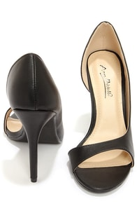 Anne Michelle Rapture 89 Black D'Orsay Heels at Lulus.com!