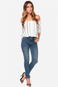 RES Denim Kitty Skinny Dark Wash Jeans at Lulus.com!