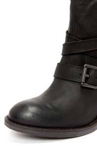 Steve Madden Raleighh Black Leather Ankle Boots at Lulus.com!