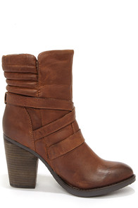 Steve Madden Raleighh Cognac Leather Ankle Boots at Lulus.com!