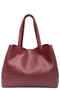 Knock 'em Dead Navy Blue and Burgundy Tote at Lulus.com!