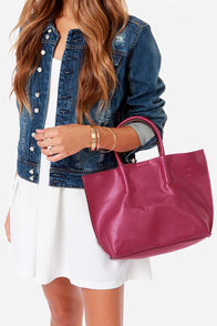 Berry Blast Fuchsia Handbag at Lulus.com!