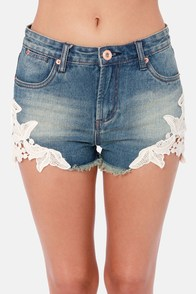 Costa Blanca Shoot From the Hip Ivory Lace Jean Shorts at Lulus.com!