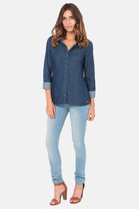 Volcom Not So Classic Blue Denim Button-Up Top at Lulus.com!