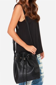 Quick On the Drawstring Black Tote at Lulus.com!
