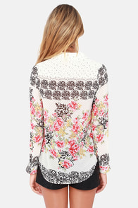 Pollen Angel Ivory Floral Print Button-Up Top at Lulus.com!