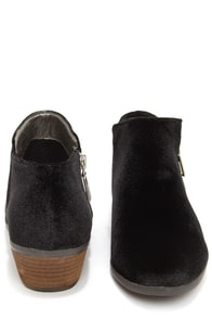 Very Volatile Selma Black Velvet Booties at Lulus.com!