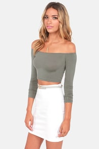 Half the Battle Off-the-Shoulder Grey Crop Top at Lulus.com!