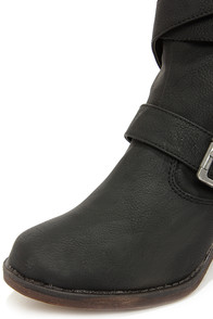 Dollhouse Persuade Black Belted Mid-Calf Boots at Lulus.com!